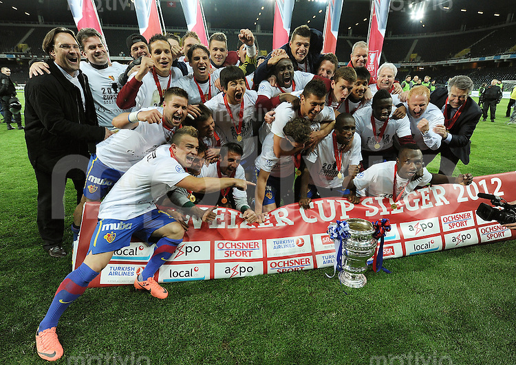 Fussball  International: Pokalfinale Schweiz 2011/2012               16.05.2012 FC Basel - FC Luzern Mannschaftsbild  Cupsieger FC Basel