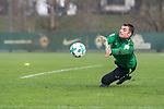 14.01.2018, Trainingsgelaende, Bremen, GER, 1.FBL, Training SV Werder Bremen<br /> <br /> im Bild<br /> Dario Th&uuml;rkauf / Thuerkauf (SV Werder Bremen II #1) bei Torwarttraining, <br /> <br /> Foto &copy; nordphoto / Ewert
