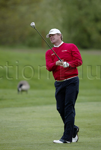 7 May 2004: Swedish golfer Joakim Haeggman looks into the distance after playing a driver from a fairway during the second round of the Daily Telegraph Damovo British Masters played at the Marriott Forest of Arden, Birmingham. Photo: Neil Tingle/Action Plus..040507 golf golfer golfers