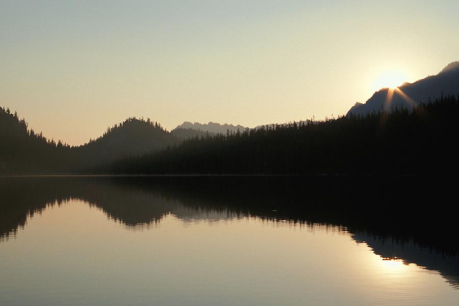 Sunrise over Upper Snow Lakes, Enchantment Lakes, Washington