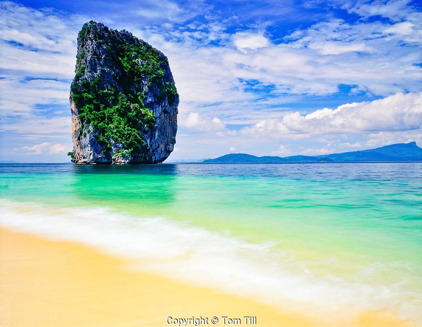 Seastack and Deserted Beach, Hat Nopparat Thara and Mu Ko Phi Phi, Marine National Park, Thailand