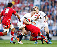 Photo: Richard Lane/Richard Lane Photography. England v Wales. RBS Six Nations. 09/03/2014. England's Owen Farrell attacks.