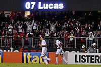 SÃO PAULO, SP, 30 DE AGOSTO DE 2012 - CAMPEONATO BRASILEIRO - SÃO PAULO x BOTAFOGO: Lucas comemora gol durante partida São Paulo x Botafogo, válida pela 20ª rodada do Campeonato Brasileiro de 2012 no Estádio do Morumbi. FOTO: LEVI BIANCO - BRAZIL PHOTO PRESS