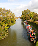 Narrow boats on Kennet and Avon canal, Great Bedwyn, Wiltshire, England, UK