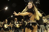 SÃO PAULO, SP, 05 JANEIRO DE 2013 - CARNAVAL 2013 - ENSAIO TECNICO GAVIOES DA FIEL - Tati Minerato durante ensaio tecnico da Escola de Samba Gavioes da Fiel realizado na noite  desse sabado, 05 no Sambodromo do Anhembi, em Sao Paulo, zona norte da capital. FOTO LOLA OLIVEIRA - BRAZIL PHOTO PRESS