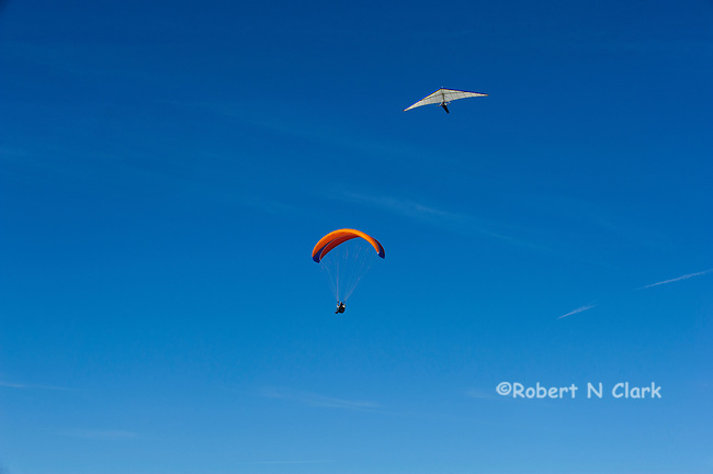 Parasailer and Hang Glider at the Torrey Pines Glider Port