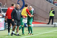 celebrate the goal, Torjubel zum 0:1 von Philipp Max (FC Augsburg) - 16.09.2017: Eintracht Frankfurt vs. FC Augsburg, Commerzbank Arena