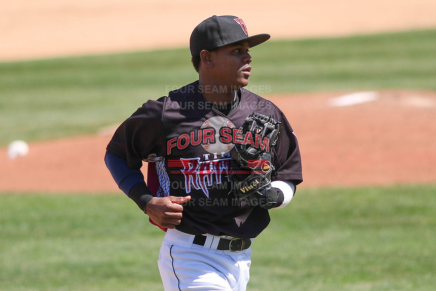 Wisconsin Timber Rattlers second baseman Gregory Munoz (7) during a game against the Peoria Chiefs on April 25th, 2015 at Fox Cities Stadium in Appleton, Wisconsin.  Wisconsin defeated Peoria 2-0.  (Brad Krause/Four Seam Images)
