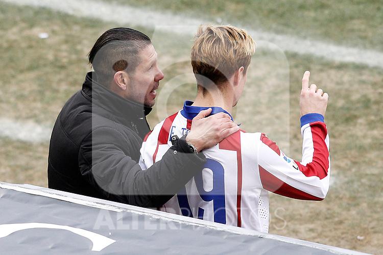 Atletico de Madrid's coach Diego Pablo Cholo Simeone with Fernando Torres during La Liga match.February 7,2015. (ALTERPHOTOS/Acero)