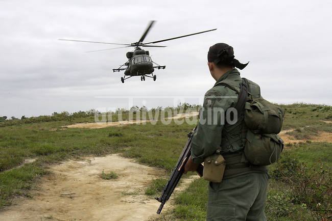 A clandestine cocaine processing laboratories was dismantled by Venezuela National Guard at  Socoavo river, Venezuela, 800 mts near the border with Colombia,  Monday,March. 10, 2009. (Caribe Focus  Photo/Carlos Hernandez)