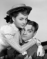 OLIVIA DE HAVILLAND & JAMES CAGNEY <br /> in The Strawberry Blonde<br /> *Filmstill - Editorial Use Only*<br /> CAP/PLF<br /> Supplied by Capital Pictures
