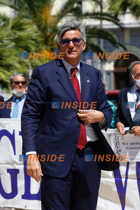 The President of the Order of lawyers of Rome Antonio Galletti during the demonstration of the lawyers in front of the Court of Cassation to ask for the reopening of the Law Courts. The protesters show signs with the inscription Justice is extinguished. Rome (Italy), June 23rd 2020<br /> Samantha Zucchi Insidefoto