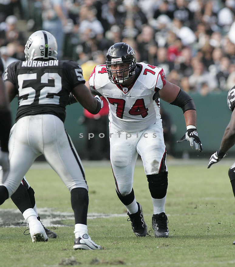 TODD WEINER, of the Atlanta Falcons, in action against the Oakland Raiders during the Falcons  game in Oakland,CA on Novmeber 2, 2008. ..Falcons win 24-0