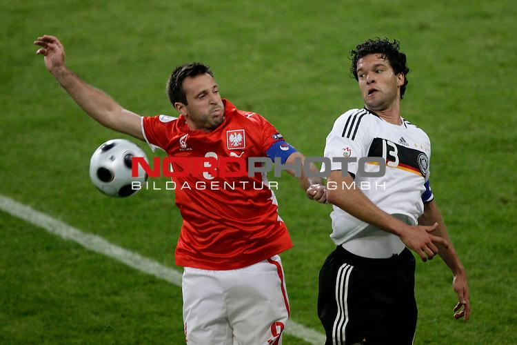 UEFA Euro 2008 Group B Klagenfurt - W&ouml;rthersee Match 04 <br /> <br /> Deutschland ( GER ) - Polen ( POL )<br /> <br /> Kopfballduell zwischen  Maciej Zurawski  ( Poland / Angreifer / Forward /  AE Larisa # 09 ) und Michael Ballack (Germany / Mittelfeldspieler / Midfielder /  Chelsea London #13)<br /> <br /> <br /> Foto &copy; nph (  nordphoto  )<br /> <br /> <br /> <br />  *** Local Caption ***