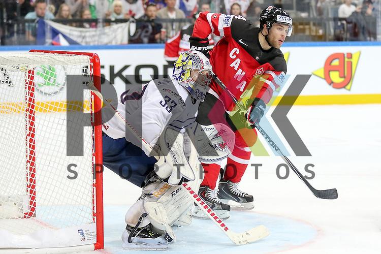 Canadas Hall, Taylor (Nr.4) und Frankreichs Quemener, Ronan (Nr.33)  im Spiel IIHF WC15 France vs Canada.<br /> <br /> Foto &copy; P-I-X.org *** Foto ist honorarpflichtig! *** Auf Anfrage in hoeherer Qualitaet/Aufloesung. Belegexemplar erbeten. Veroeffentlichung ausschliesslich fuer journalistisch-publizistische Zwecke. For editorial use only.