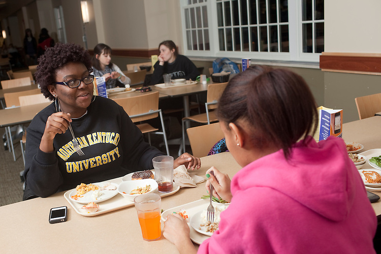 Taylor MIller, Ciana Barclay and Niara Morrow dine at Nelson Dining Hall on November 19, 2013.