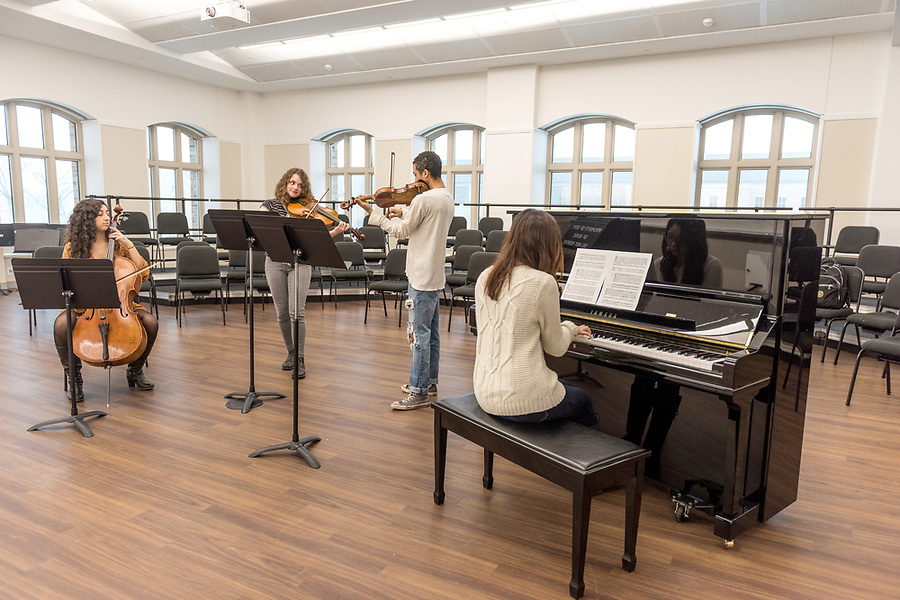 February 15, 2018; O'Neill Hall candids with music students.  (Photo by Barbara Johnston/University of Notre Dame)