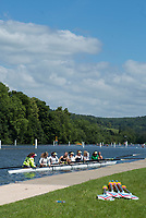 "Henley on Thames, United Kingdom, 21st June 2018, Thursday, Training day before the start of  ""Henley Women's Regatta"",  Thursday,  view, An eight, moves to moor at the boating pontoon,  Henley Reach, River Thames, England, © Peter SPURRIER/Alamy Live News"