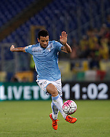 Calcio, Serie A: Lazio vs Frosinone. Roma, stadio Olimpico, 4 ottobre 2015.<br /> Lazio's Felipe Anderson in action during the Italian Serie A football match between Lazio and Frosinone at Rome's Olympic stadium, 4 October 2015.<br /> UPDATE IMAGES PRESS/Isabella Bonotto