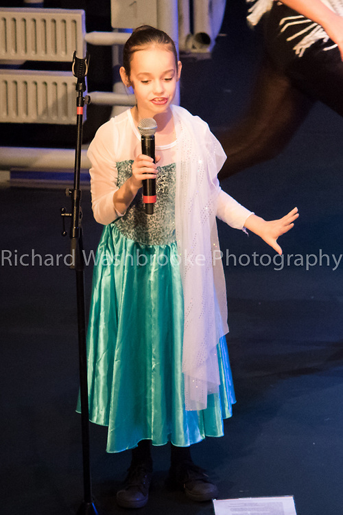 Theatretrain  Step into Christmas  Adelphi  Theatre  7th December 2014<br /> <br /> Photo: Richard Washbrooke Sports Photography