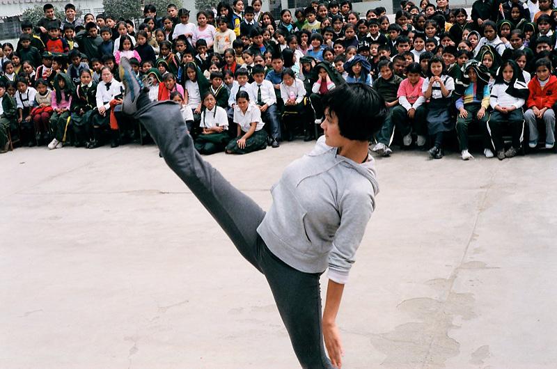 Amelia Uzategui-Bonilla with the Public Dance Theater | Canto Rey, Peru | 2007
