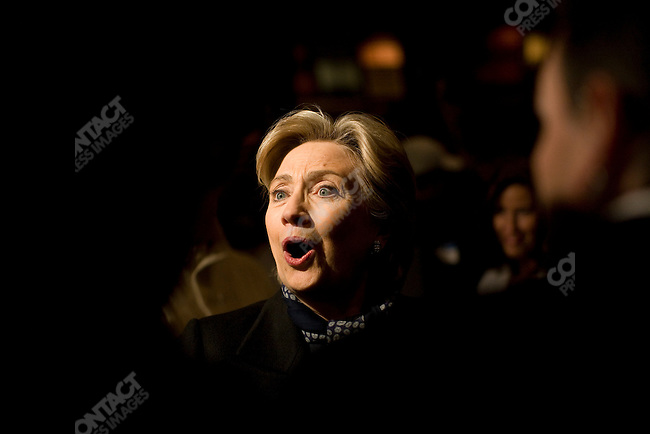 """Senator Hillary Clinton (D-NY), Democratic presidential candidate, visits Super Bowl viewers at The Original Dixie restaurant, in a push to gain """"Super Tuesday"""" votes. Minneapolis, Minnesota, February 3, 2008."""
