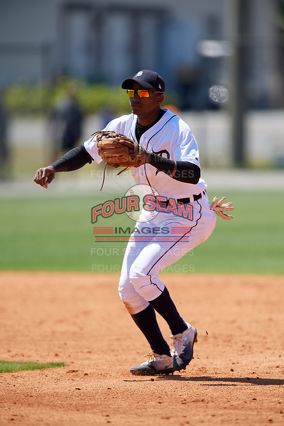 Detroit Tigers Isrrael De La Cruz (70) during a Minor League Spring Training game against the Atlanta Braves on March 22, 2018 at the TigerTown Complex in Lakeland, Florida.  (Mike Janes/Four Seam Images)
