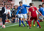 Aberdeen v St Johnstone...31.08.13      SPFL<br /> Murray Davidson battles with Clark Robertson<br /> Picture by Graeme Hart.<br /> Copyright Perthshire Picture Agency<br /> Tel: 01738 623350  Mobile: 07990 594431