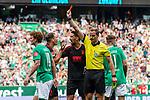 01.09.2019, wohninvest WESERSTADION, Bremen, GER, 1.FBL, Werder Bremen vs FC Augsburg<br /> <br /> DFL REGULATIONS PROHIBIT ANY USE OF PHOTOGRAPHS AS IMAGE SEQUENCES AND/OR QUASI-VIDEO.<br /> <br /> im Bild / picture shows<br /> Stephan Lichtsteiner (FC Augsburg #02) sieht Gelb-rote Karte von Sören Storks (Schiedsrichter / referee) nach Foulspiel an Niclas Füllkrug / Fuellkrug (Werder Bremen #11), <br /> <br /> Foto © nordphoto / Ewert