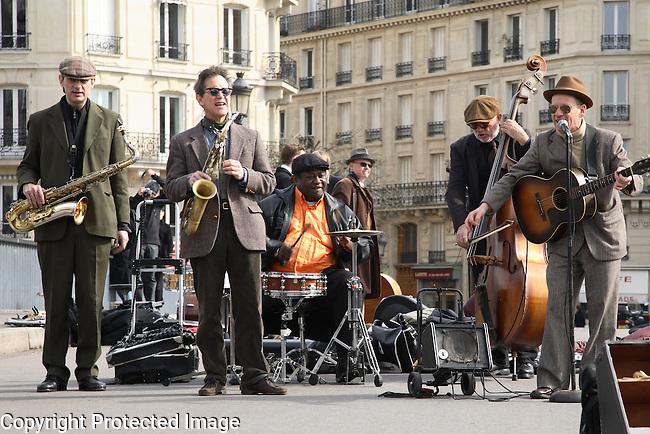 Jazz Group on St Louis Bridge, Paris, France