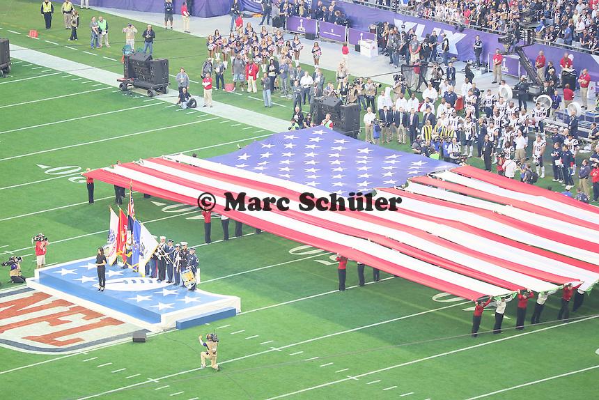 Idina Menzel singt die Nationalhymne - Super Bowl XLIX, Seattle Seahawks vs. New England Patriots, University of Phoenix Stadium, Phoenix