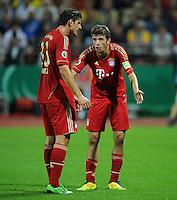FUSSBALL   DFB POKAL   SAISON 2011/2012  1. Hauptrunde Eintracht Braunschweig - FC Bayern Muenchen   01.08.2011 Mario GOMEZ (li) und Thomas MUELLER (re, beide Bayern)
