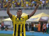 BARRANCABERMEJA -COLOMBIA, 23-08-2015. Martin Arzuaga (Der) jugador de Alianza Petrolera celebra un gol anotado a Deportivo Pasto durante encuentro por la fecha 8 de la Liga Aguila II 2015 disputado en el estadio Daniel Villa Zapata de la ciudad de Barrancabermeja./ Martin Arzuaga (R) player of Alianza Petrolera celebreates a goal scored to Deportivo Pasto during match for the 8th date of the Aguila League II 2015 played at Daniel Villa Zapata stadium in Barrancebermeja cit. Photo:VizzorImage / Jose Martinez / Cont
