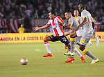 unior de Barranquilla, en el estadio Metropolitano, se hizo de una prudente ventaja de dos goles al vencer 2-0 a Independiente Santa Fe, que espera tomarse desquite en la definición de la Copa Águila