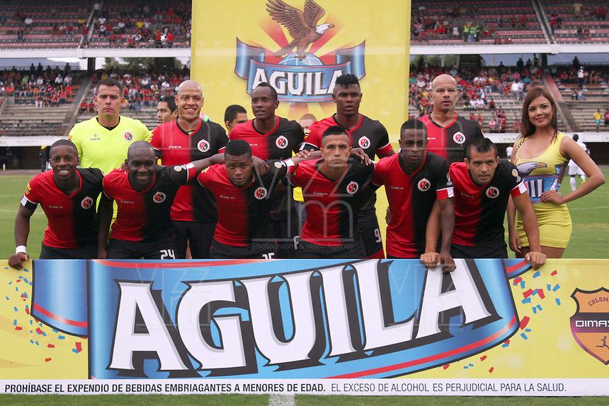CUCUTA - COLOMBIA - 16-08-2015. Formacion del Cucuta Deportivo   contra el  Cortulua  durante partido  por la fecha 6 de la Liga Aguila II 2015 jugado en el estadio General Santander / Team  of Cucuta Deportivo  against  of Cortulua  during a match for the six  date of the Liga Aguila II 2015 played a General Santander Atanasio Girardot stadium in Cucuta city. Photo: VizzorImage / Manuel Hernandez  / Contribuidor