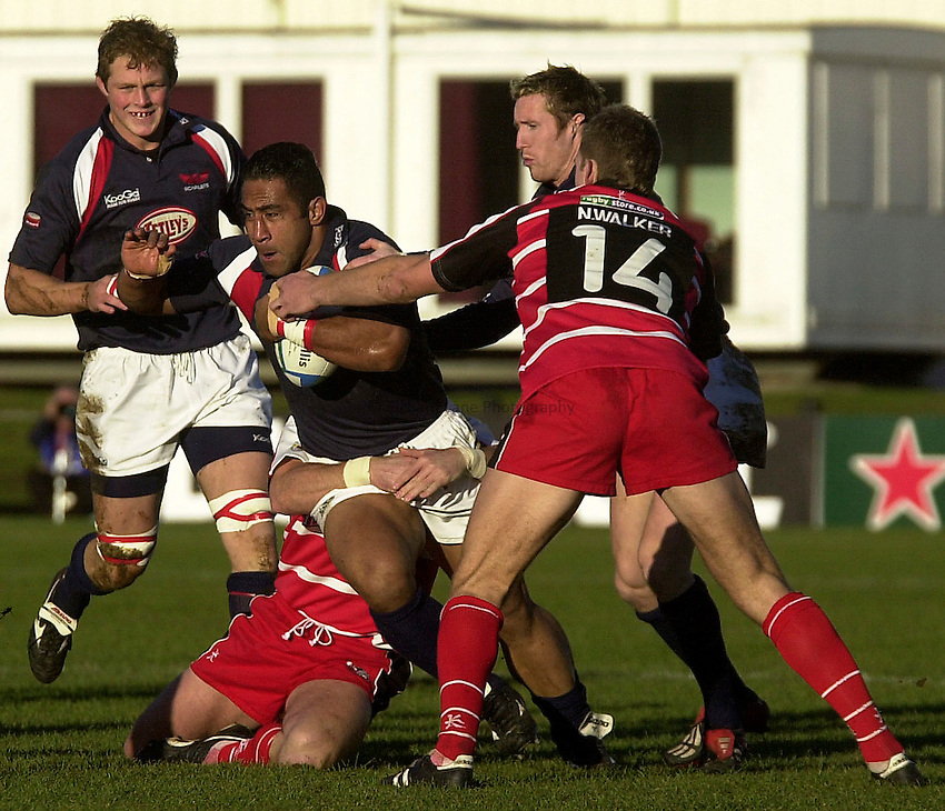 Photo. Glyn Thomas..Scottish Borders v Llanelli Scarlets. Heineken Cup..Netherdale, Galashiels. 14/12/2003..Salesi Finau.