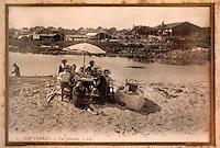 """Europe/France/Aquitaine/33/Gironde/Bassin d'Arcachon/Le Cap Ferret: Vieilles cartes postales du Cap Ferret au restaurant """"Chez Hortense"""" - Famille à la plage"""