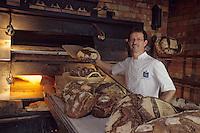 """Europe/France/Bretagne/29/Finistère/Lannilis: michel Izard boulanger """"La Maison du Boulanger"""" [Non destiné à un usage publicitaire - Not intended for an advertising use]"""