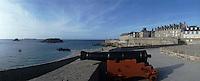 Europe/France/Bretagne/35/Ille-et-Vilaine/Saint-Malo: Les remparts et la tour Bidouane