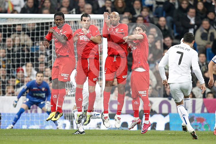 Real Madrid's Cristiano Ronaldo freekick during spanish King's Cup semifinal match on February 2nd, 2011...Photo: Cid-Fuentes - Cebolla / ALFAQUI