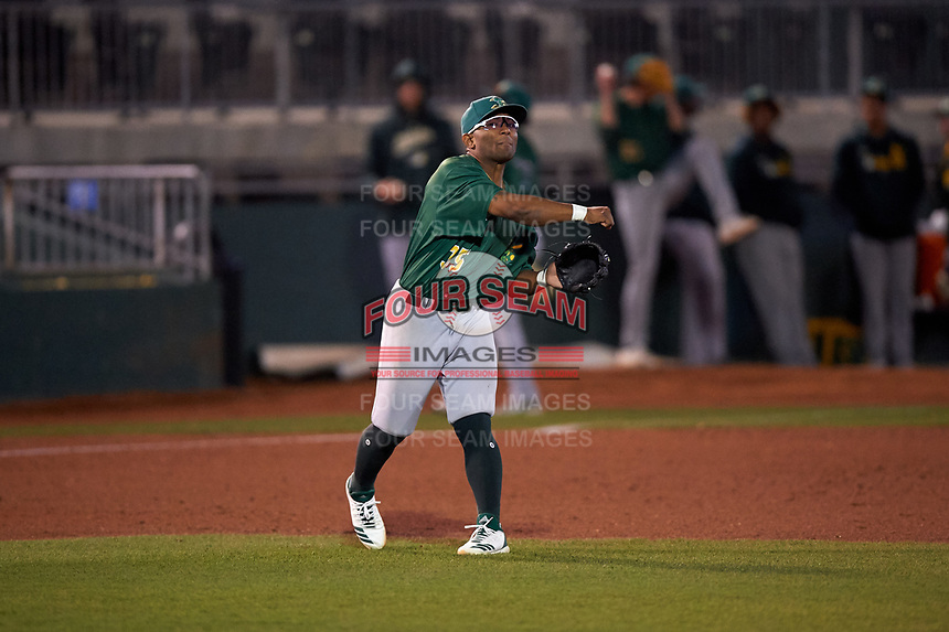 Beloit Snappers third baseman Cobie Vance (35) throws to first base during a Midwest League game against the Lansing Lugnuts at Cooley Law School Stadium on May 4, 2019 in Lansing, Michigan. Beloit defeated Lansing 2-1. (Zachary Lucy/Four Seam Images)