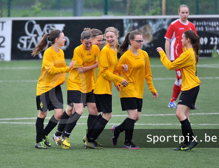 Lierse U16 - Standard de Liege U16 : vreugde bij Lierse na hun doelpuntenfestival.foto DAVID CATRY / Nikonpro.be