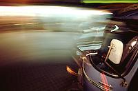 Motorriksha on the street of Lahore.<br /> 15.2.2001, Lahore/Pakistan<br /> Copyright: Christian-Ditsch.de<br /> [Inhaltsveraendernde Manipulation des Fotos nur nach ausdruecklicher Genehmigung des Fotografen. Vereinbarungen ueber Abtretung von Persoenlichkeitsrechten/Model Release der abgebildeten Person/Personen liegen nicht vor. NO MODEL RELEASE! Nur fuer Redaktionelle Zwecke. Don't publish without copyright Christian-Ditsch.de, Veroeffentlichung nur mit Fotografennennung, sowie gegen Honorar, MwSt. und Beleg. Konto: I N G - D i B a, IBAN DE58500105175400192269, BIC INGDDEFFXXX, Kontakt: post@christian-ditsch.de<br /> Bei der Bearbeitung der Dateiinformationen darf die Urheberkennzeichnung in den EXIF- und  IPTC-Daten nicht entfernt werden, diese sind in digitalen Medien nach §95c UrhG rechtlich geschuetzt. Der Urhebervermerk wird gemaess §13 UrhG verlangt.]