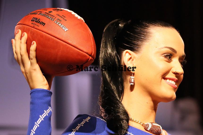 Auch die Fingernägel von Katy Perry sind im Football-Look lackiert - Draft Pressekonferenz, Sheraton Downtown Phoenix Hotel