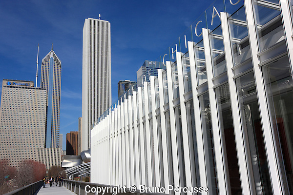 Amérique; Etats Unis; état de l'Illinois; Chicago; Art Institute of Chicago; musée; aile moderne de Renzo Piano et Nichols bridgeway//America; United States; Illinois state; Chicago; Art Institute of Chicago; museum; modern wing designed by Renzo Piano and Nichols bridgeway