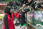 10.02.2019, Weserstadion, Bremen, GER, 1.FBL, Werder Bremen vs FC Augsburg<br /> <br /> DFL REGULATIONS PROHIBIT ANY USE OF PHOTOGRAPHS AS IMAGE SEQUENCES AND/OR QUASI-VIDEO.<br /> <br /> im Bild / picture shows<br /> Max Kruse (Werder Bremen #10) verschenkt Jubiläum-Schaals an Fans nach Spielende, <br /> <br /> Foto © nordphoto / Ewert