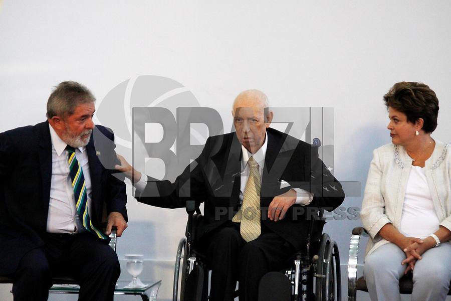 Foto arquivo José Alencar em 25/01/2011 - O Ex-Vice-Presidente da República, José Alencar Gomes da Silva, 79 anos, faleceu às 14h41 desta terça-feira (29/03), no Hospital Sírio-Libanês, em São Paulo, em decorrência de câncer e falência de múltiplos órgãos. -  na foto SÃO PAULO, SP, 25 DE JANEIRO DE 2011 - MEDALHA 25 DE JANEIRO - (e/d) O ex presidente da República Luiz Inácio Lula da Silva, José Alencar e a presidente Dilma Rousseff durante , cêrimonia de entrega da Medalha 25 de Janeiro ao ex vice presidente da República José Alencar na sede da Prefeitura de São Paulo, na região central da capital paulista. (FOTO: WILLIAM VOLCOV / NEWS FREE).