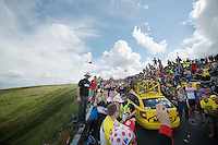 fans up Holme Moss Hill (521m/4.7km/7%)<br /> <br /> 2014 Tour de France<br /> stage 2: York-Sheffield (201km)