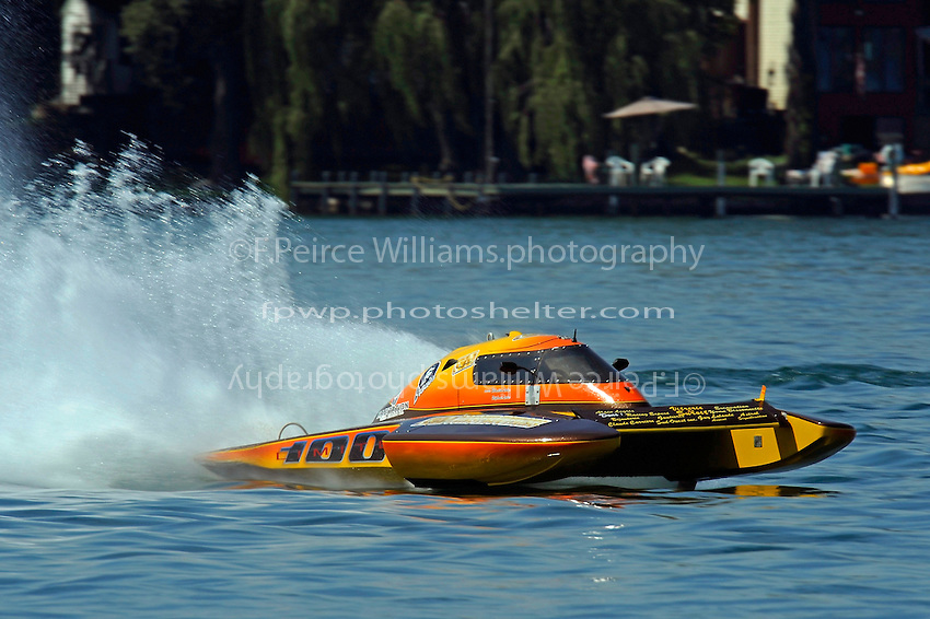 CS-100  (2.5 Litre Stock hydroplane(s)