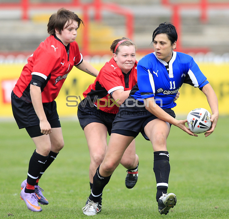 Pix: Chris Mangnall/SWpix.com, Women's Rugby League, Carnegie Super 4 2010 @ Hearwell Stadium Wakefield 25/04/10 ....picture copyright>>Simon Wilkinson>>07811267 706>>.... Blue v Red